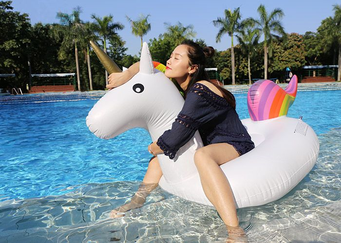 Inflatable PVC Unicorn Shape Floating Row